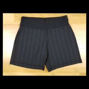 Lululemon Women Black Drawstring Shorts